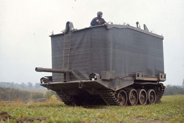 Stridsvagn 103 przygotowany do pływania
