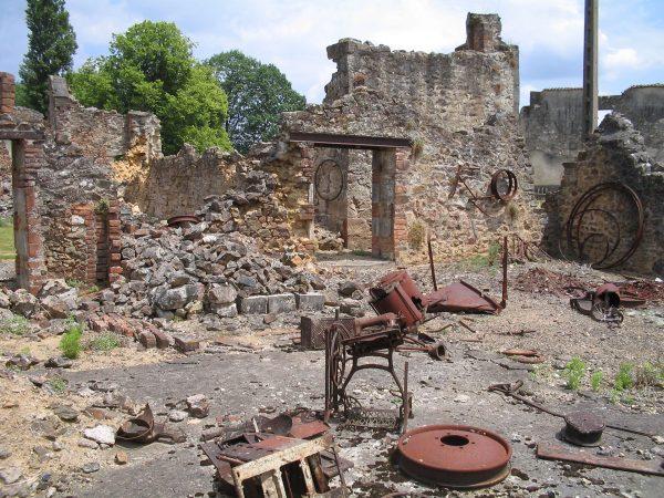Ruiny Oradour-sur-Glane (fot. Dennis Nilsson)