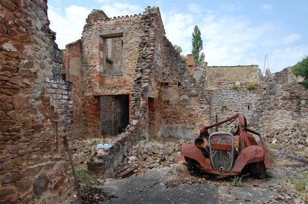 Ruiny Oradour-sur-Glane (fot. Alex Hudghton)