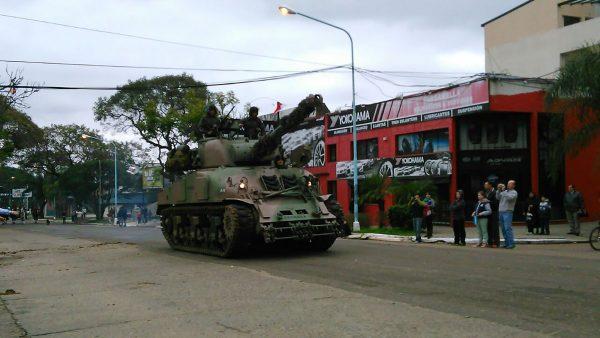 Argentyński Sherman w miasteczku Concordia