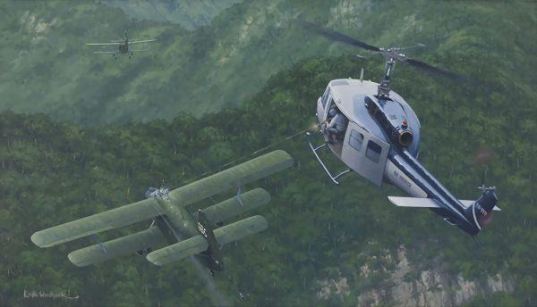 UH-1 kontra An-2 (fot. Keith Woodcock)