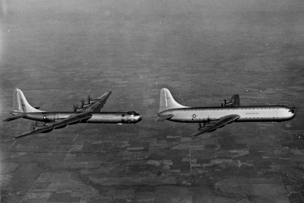 Bombowiec B-36 Peacemaker i XC-99
