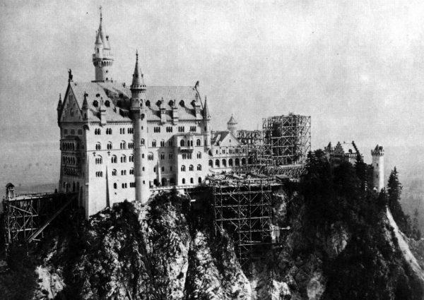 Zamek Neuschwanstein podczas budowy