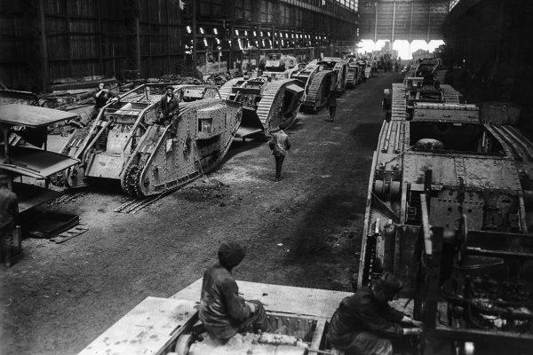 Zdobyte brytyjskie czołgi w niemieckich zakładach remontowych