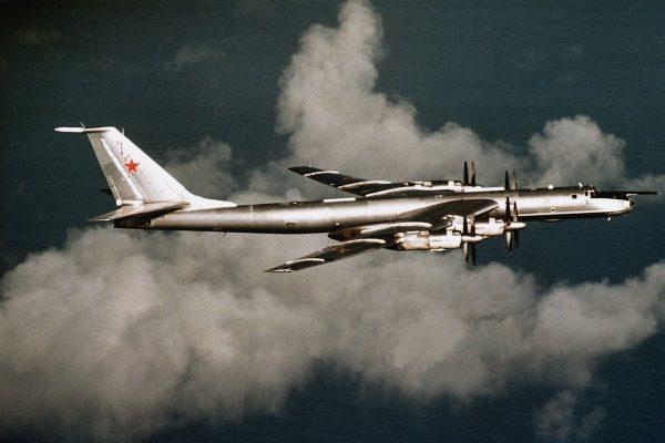 Tu-142