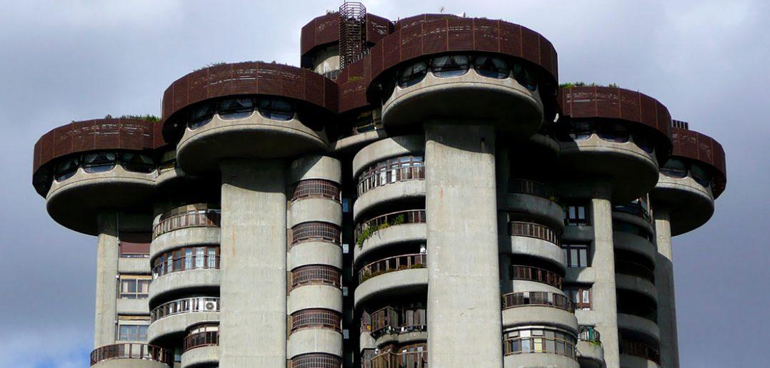 Torres Blancas - niesamowity wieżowiec w Madrycie