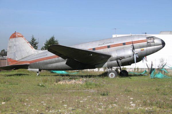 Curtiss C-46 Commando (fot. aeroprints.com)