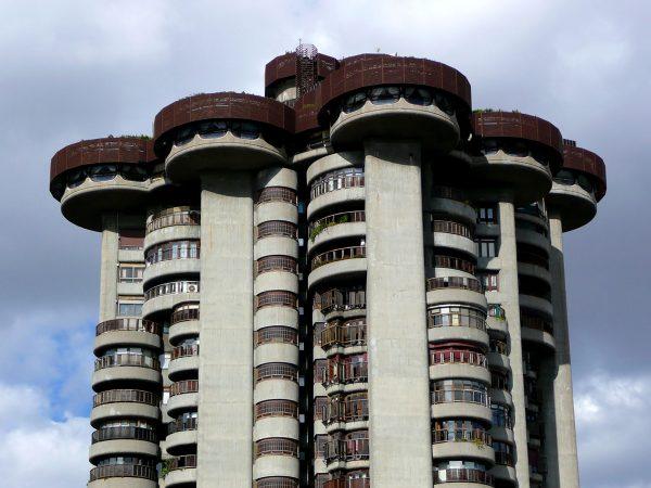Torres Blancas (fot. Metro Centric)