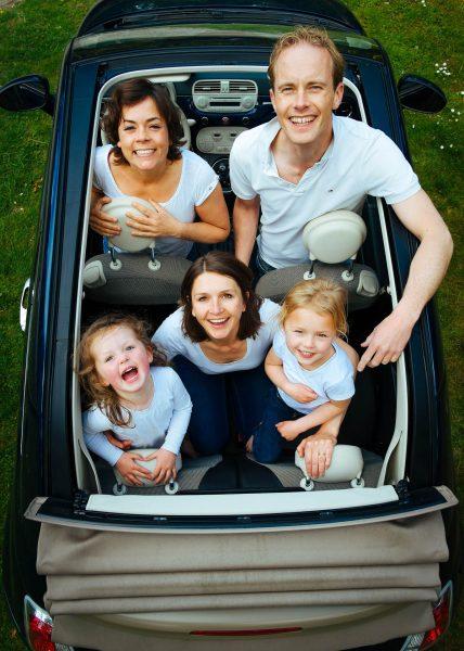 To co rodzinne musi być najlepsze w każdym zakresie. Powinniśmy do bagażnika móc spakować wózek, szafę ubrań, dwa kartony zabawek i czasem nawet narty. I może jest w tym określeniu trochę przesady, ale każdy, kto pakuje samochód na rodzinne wakacje, ma wrażenie, że jest on z gumy.