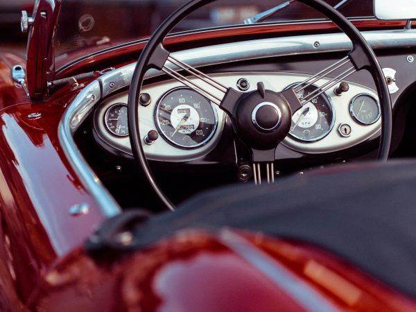 Nawet jednokrotny wyjazd na miasto może być akurat tym pechowym, podczas którego zaliczymy stłuczkę czy weźmiemy udział w wypadku drogowym (fot. pixabay.com)