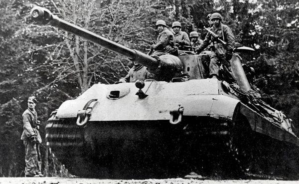 PzKpfw VI B Königstiger (Tiger II)