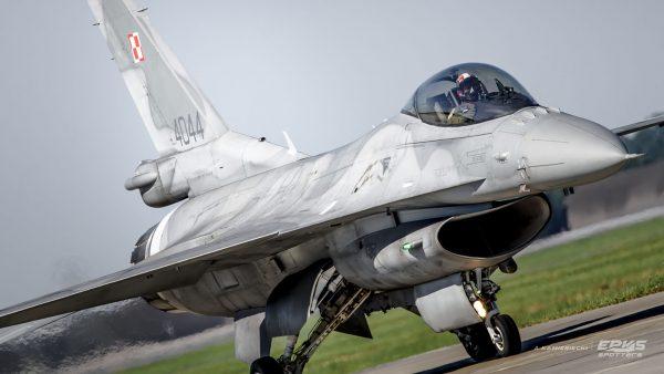 F-16 Jastrząb (fot. Arkadiusz Kamieniecki/EPKS Spotters)