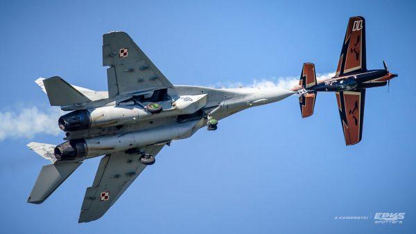 XtremeAir XA-41 i MiG-29 (fot. Arkadiusz Kamieniecki/EPKS Spotters)