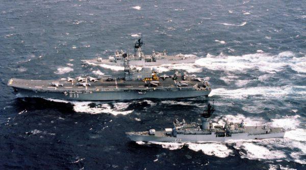 Lotniskowiec Principe de Asturias i fregaty typu Santa Maria