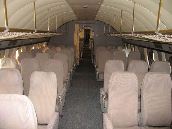 Wnętrze Tu-114