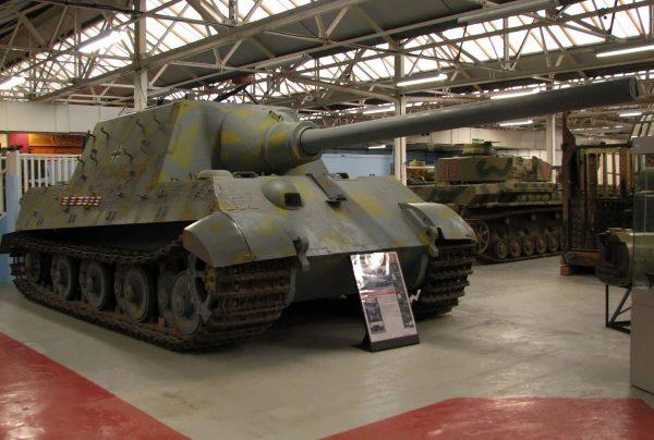 Jagdtiger w Bovington w Wielkiej Brytanii (fot. Hohum/commons.wikimedia.org)