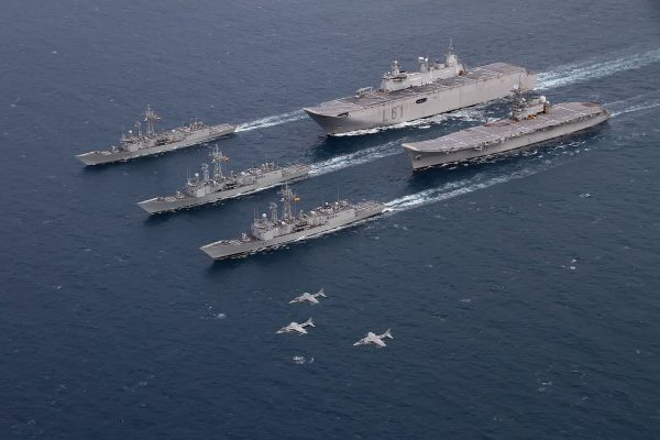 Lotniskowiec Principe de Asturias, okręt desantowy Juan Carlos I i fregaty typu Santa Maria
