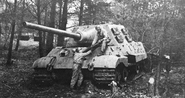 Zniszczony Jagdtiger