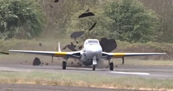 De Havilland Vampire vs pas startowy - film