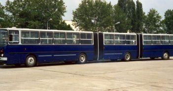 Dwuprzegubowy autobus Ikarus 293