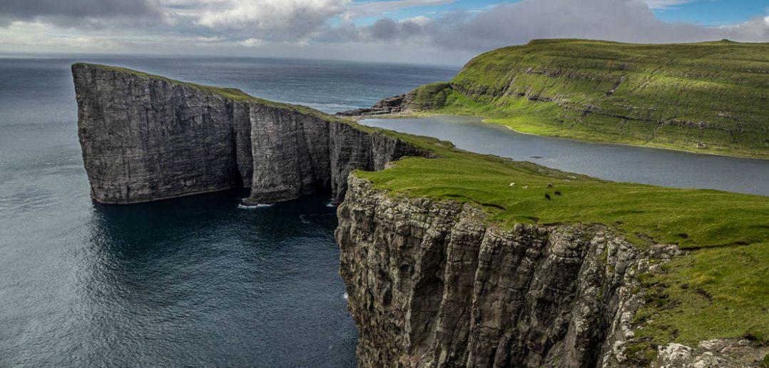 Niesamowite jezioro Sørvágsvatn na Wsypach Owczych