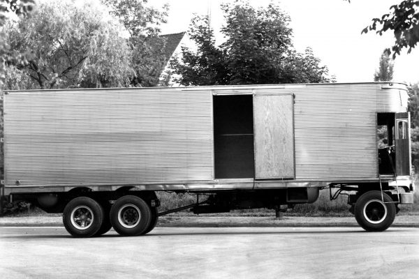 Fageol 1950 TC CargoLiner (fot. wheelsage.org)