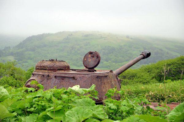 IS-2 na wyspie Szykotan (fot. Yuri Maksimov)