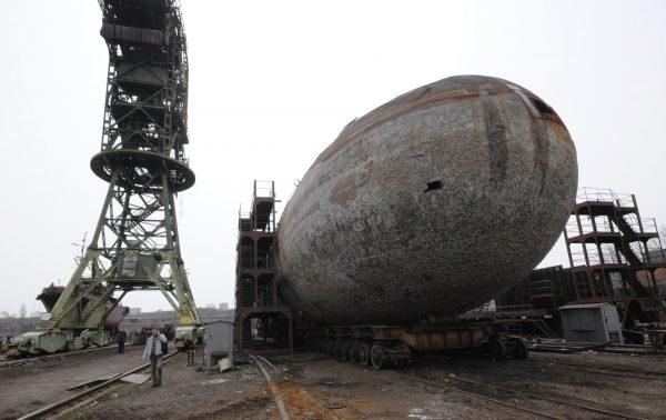 Rosyjskie atomowe okręty podwodne typu 671RTM Szczuka (Victor III) w stoczni złomowej w Władywostoku (fot. Jurij Maltsew)