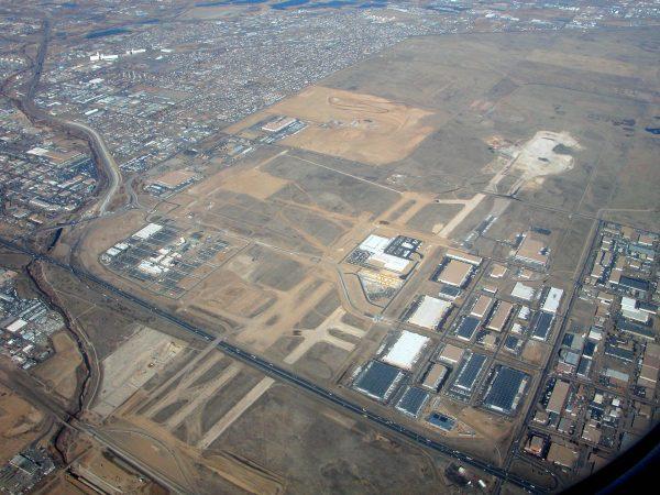 Pozostałości Stapleton International Airport w 2006 roku (fot. Doc Searls)