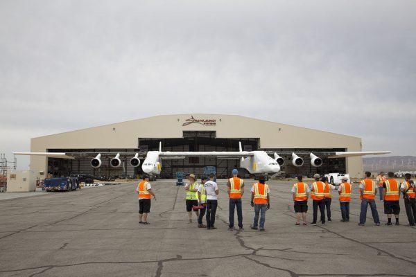 Samolot do wynoszenia rakiet Stratolaunch Systems (fot. Stratolaunch Systems Corp.)