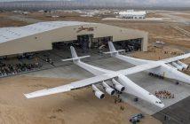 Stratolaunch Systems i największy samolot na świecie