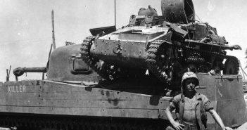 M4A2 Sherman i japońska tankietka Type 94 Te-Ke