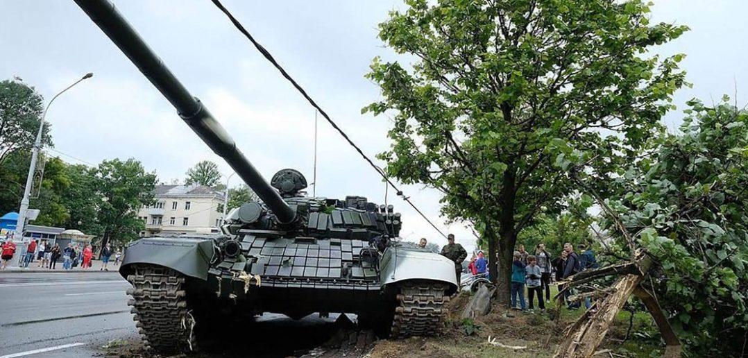 Wypadek białoruskiego T-72B w Mińsku