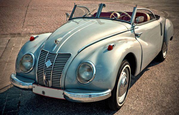 Pojazd zabytkowy musi mieć co najmniej 75% oryginalnych części, i nie ma w tym przypadku żadnych odstępstw od normy (fot. pixabay.com)