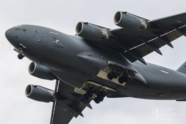 "Boeing C-17 Globemaster III 01 ""PAPA"" (Hungarian Armour Dec HAD72C17) (fot. Michał Banach)"