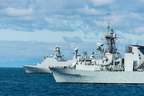 HCMS St Johns (340) i HDMS Esbern Snare (F17) (fot. FRAN CPO Christian Valverde)