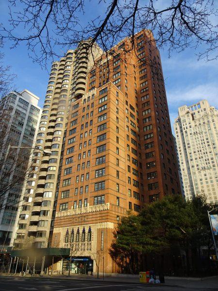 Dawny Kent Automatic Garage w Nowym Jorku - obecnie budynek jest wykorzystywany jako apartamentowiec (fot. Jim Henderson)