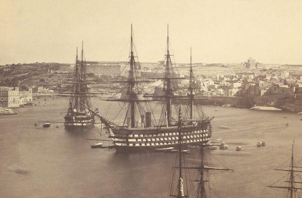 HMS Marlborough w Valletcie na Malcie, podczas służby jako okręt flagowy Floty Śródziemnomorskiej (1858-1864)