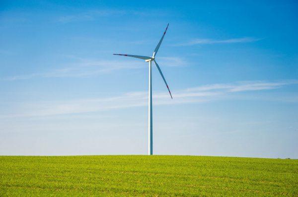 Turbina wiatrowa (fot. pixabay.com)
