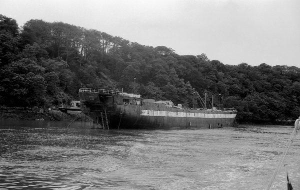 HMS Warrior jako hulk i magazyn paliwa