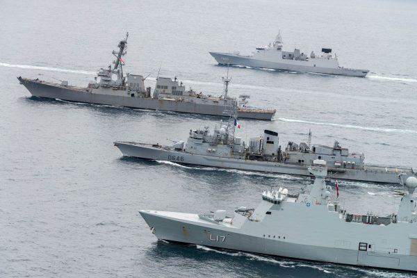 HDMS Esbern Snare, FS Latouche Treville, USS Williams i HNLMS Evertsen (fot. FRAN CPO Christian Valverde)