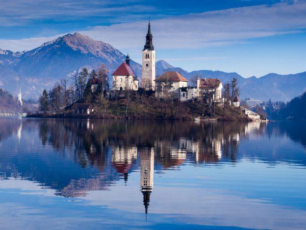 Blejski Otok na jeziorze Bled (fot. pixabay.com)