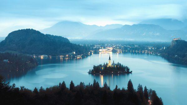 Blejski Otok na jeziorze Bled (fot. pixnio.com)