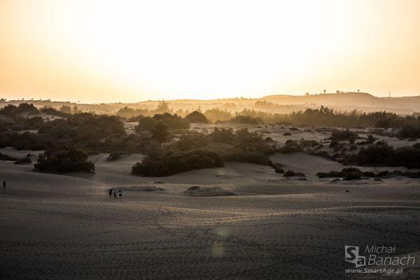 Zachód słońca nad wydmami w Maspalomas (fot. Michał Banach)