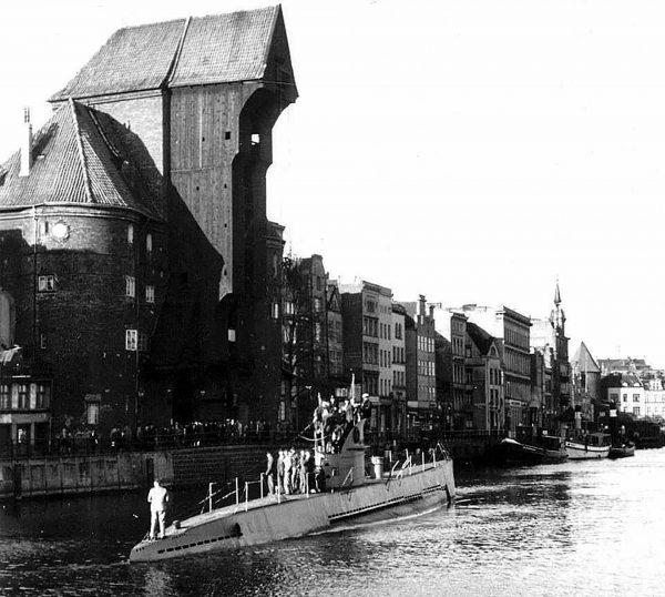 U-142 sfotografowany 17 października 1940 roku na Motławie w Gdańsku (fot. Wawrzyniec Markowski)