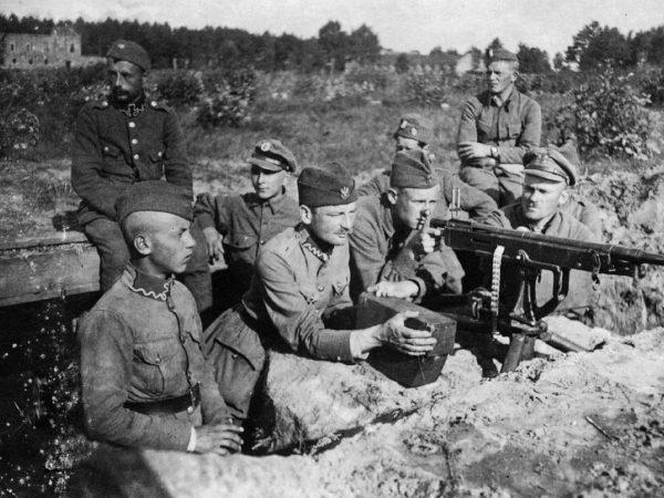 Stanowisko polskiego karabinu maszynowego - sierpień 1920 roku