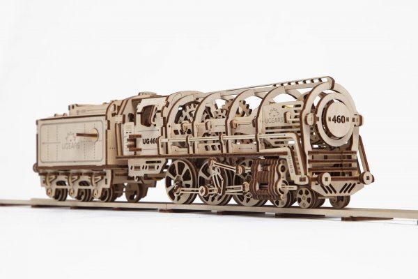 Model lokomotywy (fot. UGears/gadgeet.pl)