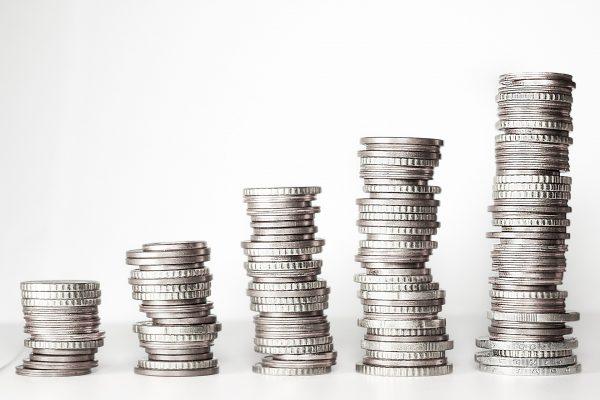 Chwilówki to pożyczki gotówkowe udzielane – w zależności od firmy, z której oferty skorzystamy – na okres od jednego do trzydziestu dni.