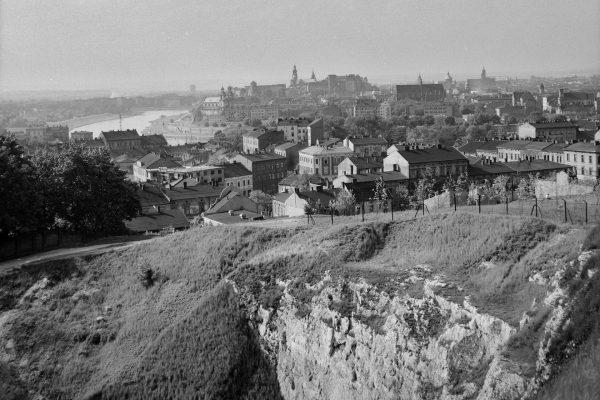 Panorama Krakowa - widok z Krzemionek Podgórskich, lata 60. XX w. (fot. Henryk Hermanowicz/MHK)