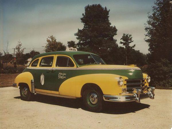 Nowojorska taksówka z lat 50.